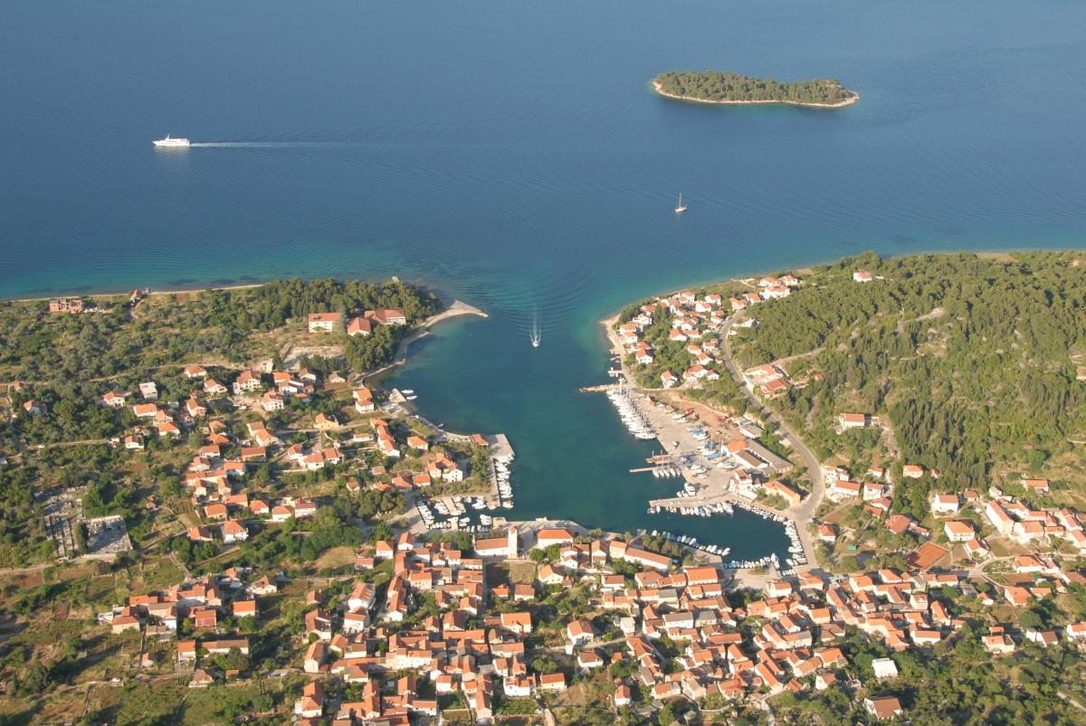 Croatia Sailing Destinations - Iz