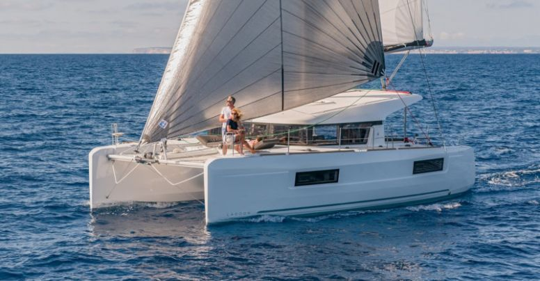 "Lagoon 40 ""Sailing Point"""